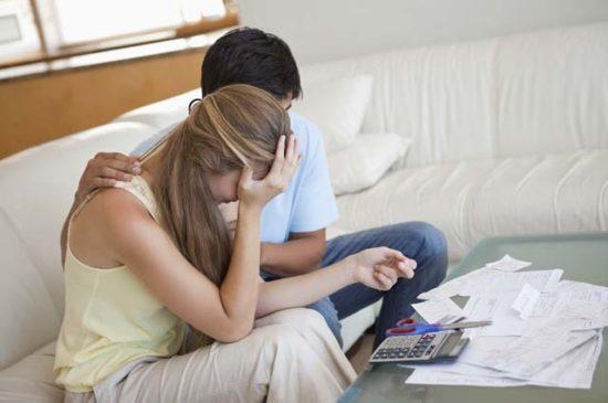 Жена набрала кредитов и плачет