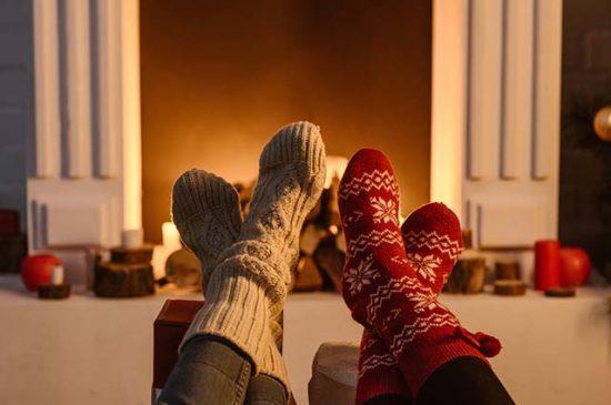 Камин рождественские носки