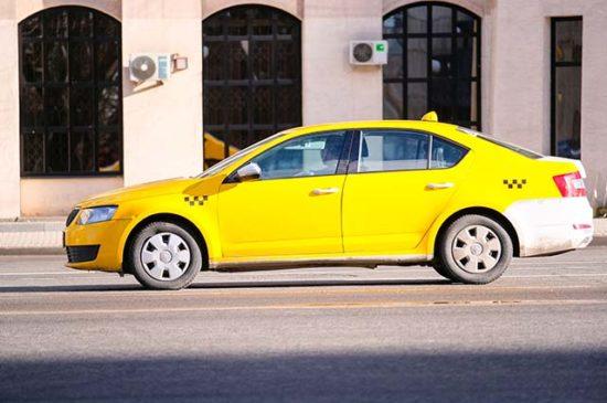 Такси на площади