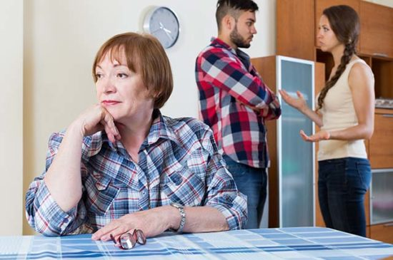 Теща терпит конфликт дочери с мужем