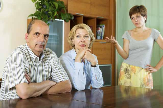 Дочь ругает родителей
