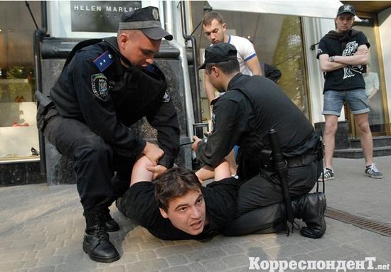 Гулянка в отделении милиции