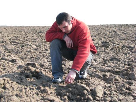 Выходил на поля молодой агроном...