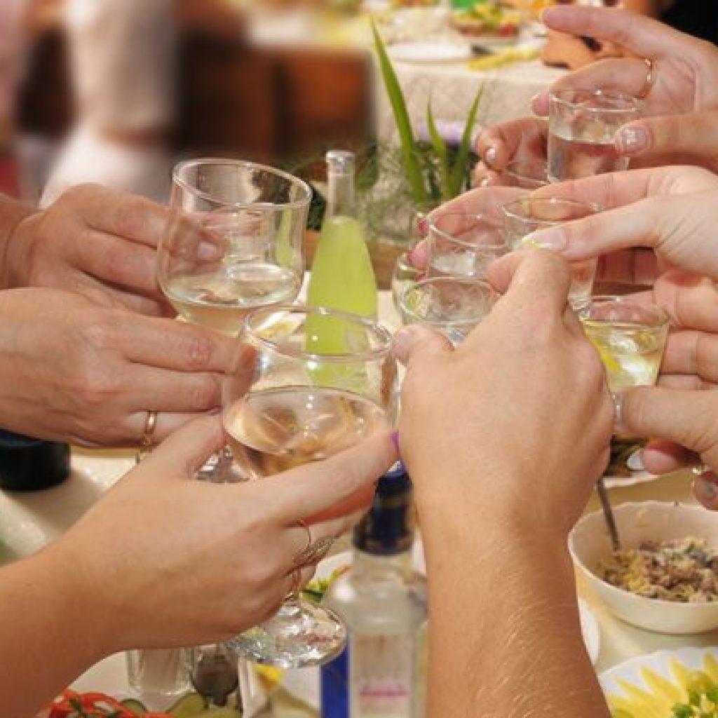 Картинки выпивка застолье, днем рождения