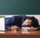 Классный руководитель спит на рабочем месте