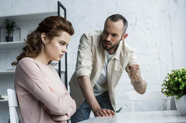 Мужчина и женщина ссора