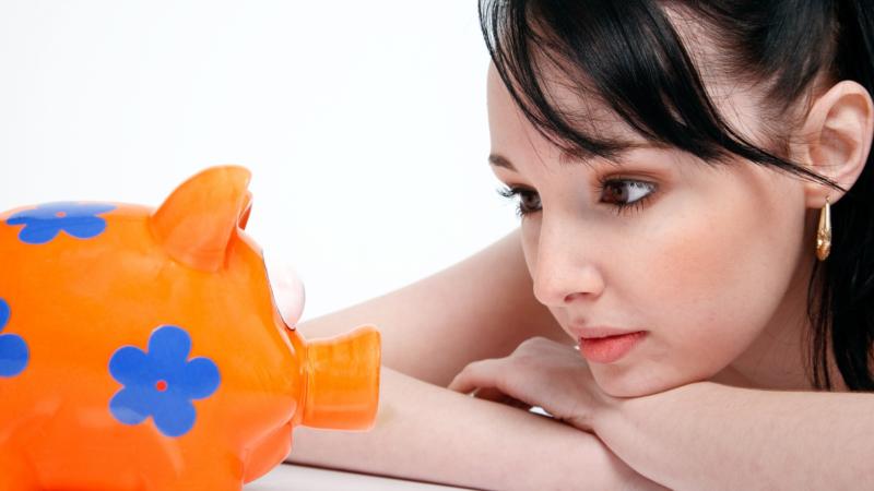 Муж запрещает мне работать и при этом не даёт денег на личные расходы - История
