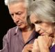 Грустная пожилая пара