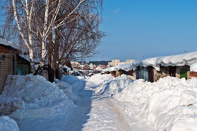 Гаражи в снегу