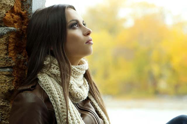 Портрет красивой девушки осень