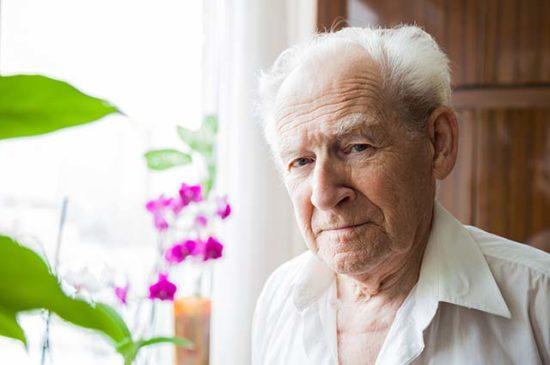 Пожилой мужчина портрет