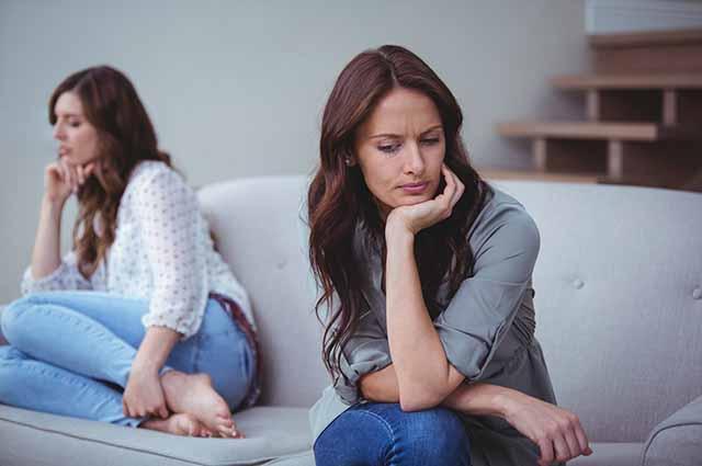 Ссора двух девушек