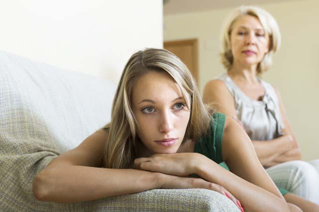 Ссора между дочкой и мамой