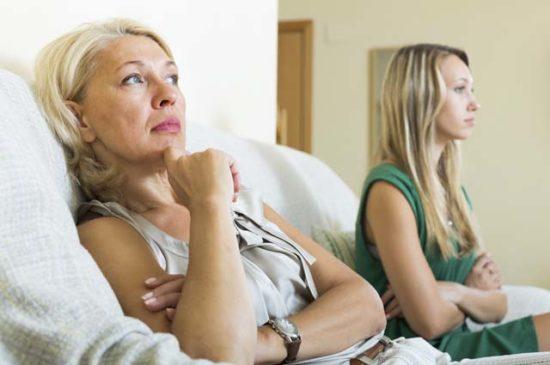 Ссора между мамой и дочкой