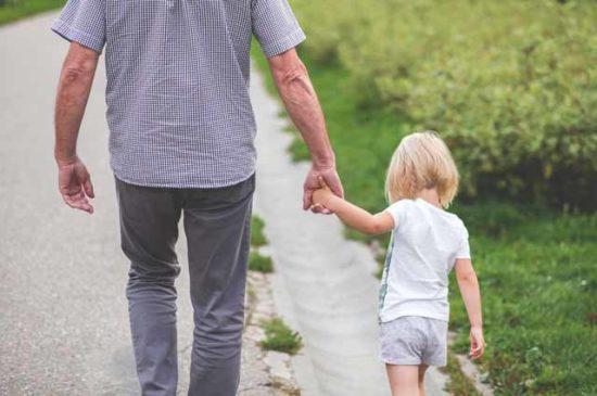 Отец с дочерью